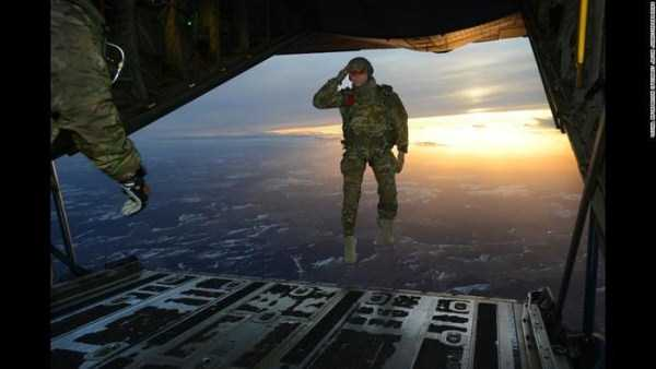 perfectly-timed-military-pictures (37)