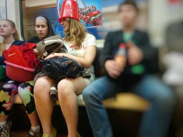 russian-subway-weirdos (6)