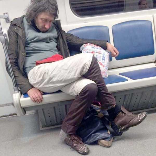 russian-subway-weirdos (8)