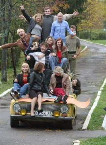 Hard-to-Explain Russian Family Photos (17 photos) 16