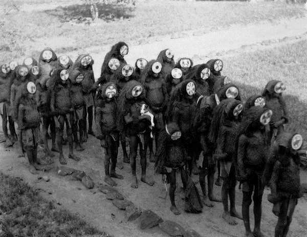bizarre-creepy-pictures (27)
