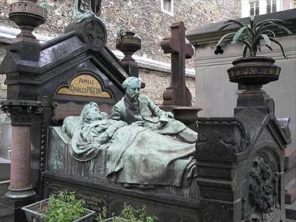 bizarre-tombstones (13)