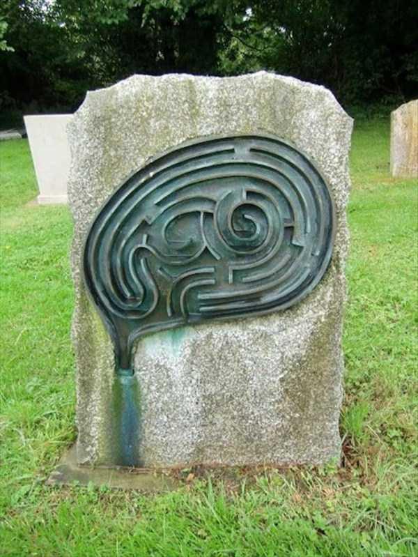 bizarre-tombstones (17)