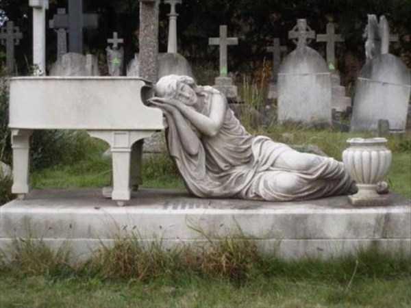bizarre-tombstones (20)
