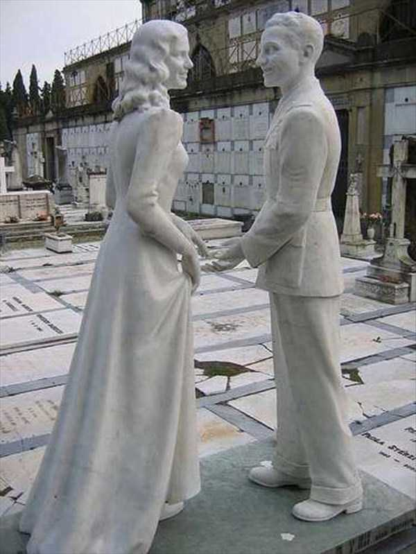 bizarre-tombstones (8)