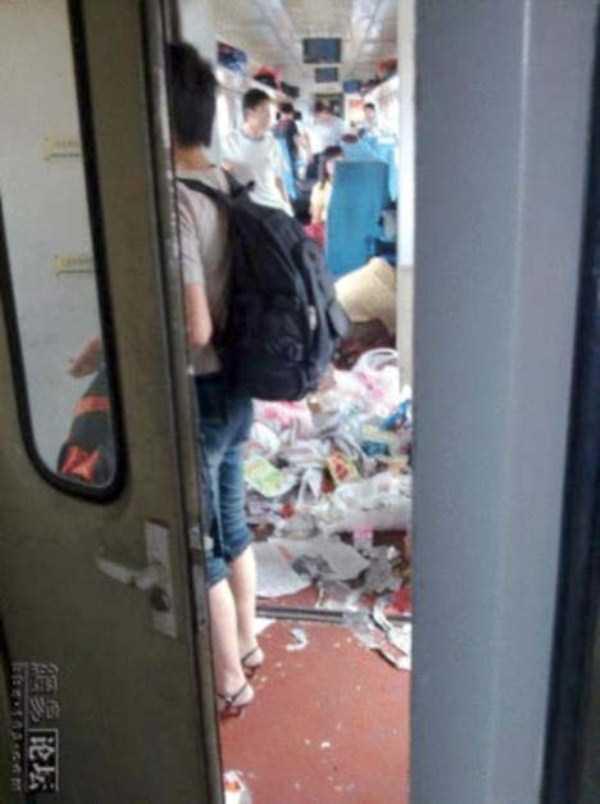 china-subway-train-rush-hour (10)