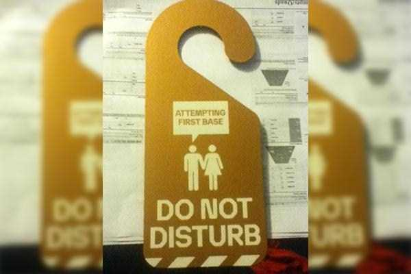 funny-do-not-disturb-signs (1)