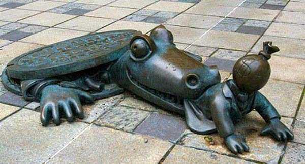 funny-manhole-cover-designs (10)