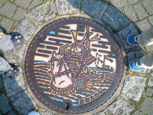 funny-manhole-cover-designs (17)