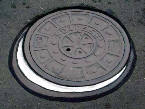 funny-manhole-cover-designs (19)