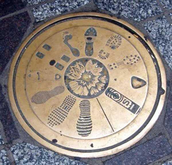 funny-manhole-cover-designs (8)