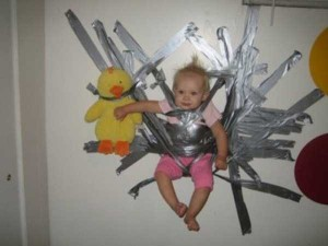 20 Wacky Techniques For Carrying Your Kid (20 photos) 18