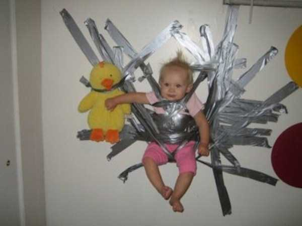 funny-methods-of-carrying-kids (18)