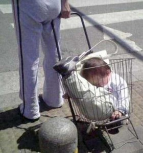 20 Wacky Techniques For Carrying Your Kid (20 photos) 4