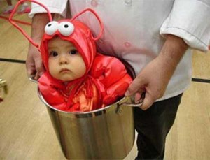 20 Wacky Techniques For Carrying Your Kid (20 photos) 7