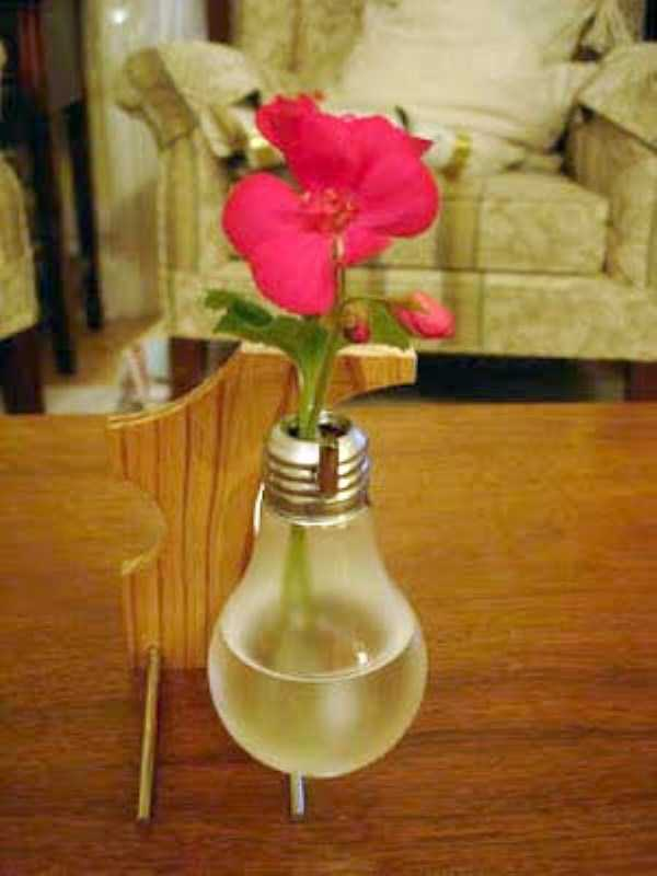 old-reused-lightbulbs (21)