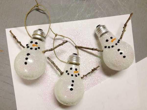 old-reused-lightbulbs (9)