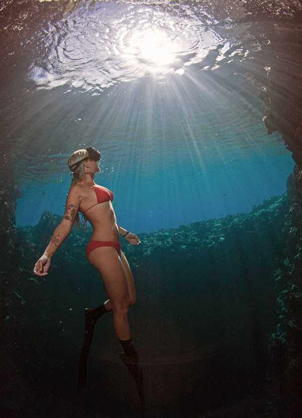 sexy-underwater-girls (15)