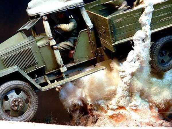 car-explosion-diorama (1)