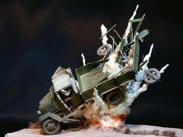 car-explosion-diorama (2)
