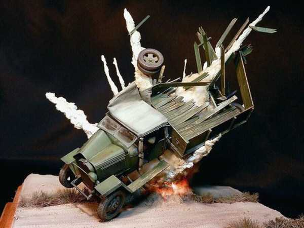 car-explosion-diorama (3)