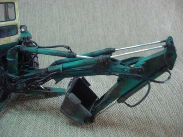 cardboard-paper-tractor (8)