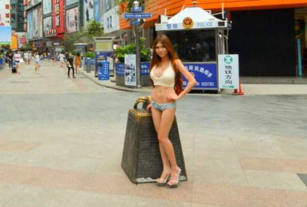 chinese-girl-in-hot-pants (11)