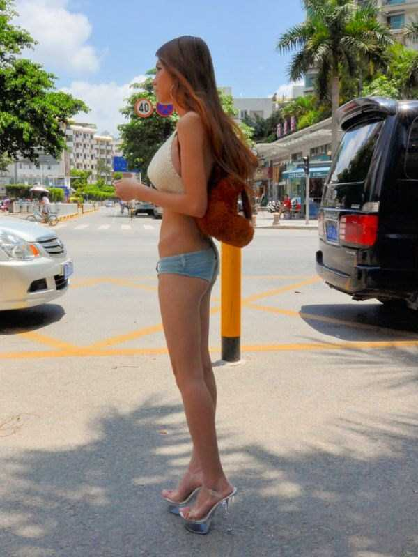 chinese-girl-in-hot-pants (2)