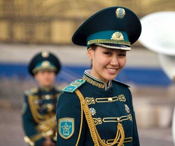 girls-kazakh-army (1)