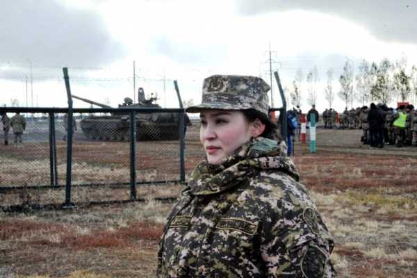 girls-kazakh-army (10)