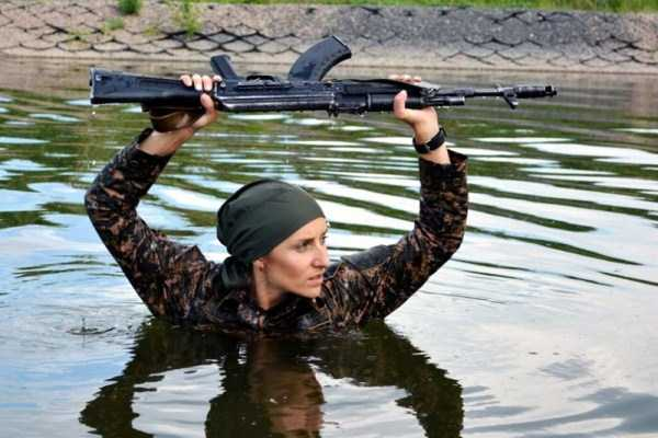 girls-kazakh-army (11)