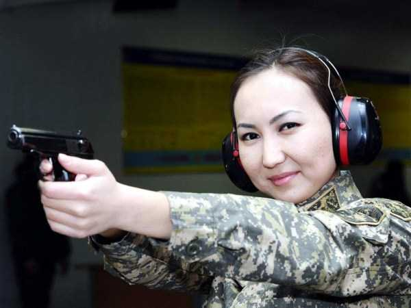 girls-kazakh-army (12)