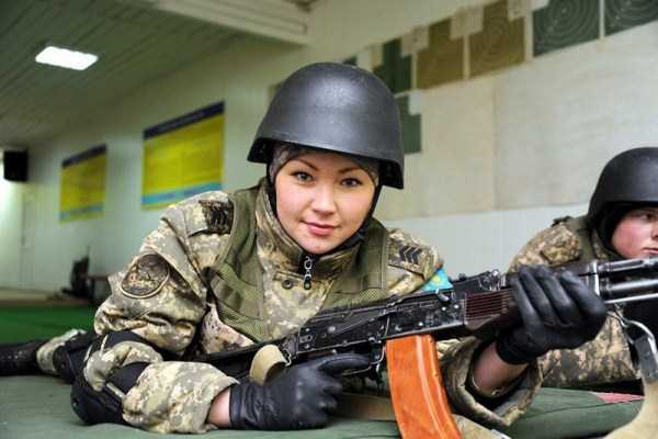 girls-kazakh-army (14)