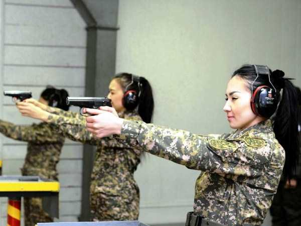 girls-kazakh-army (21)