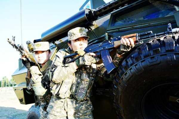 girls-kazakh-army (23)