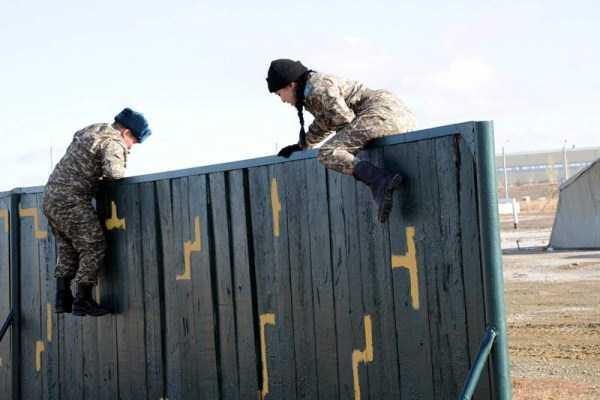 girls-kazakh-army (24)