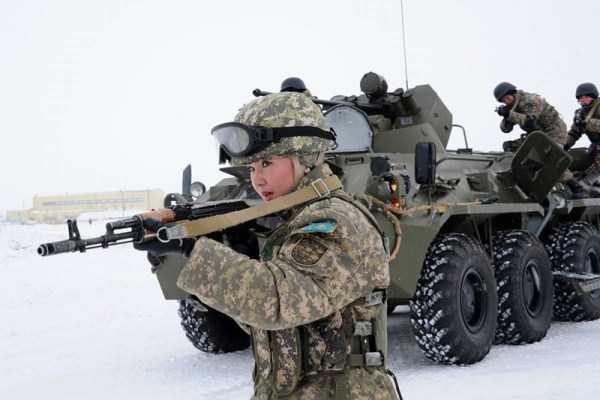 girls-kazakh-army (26)
