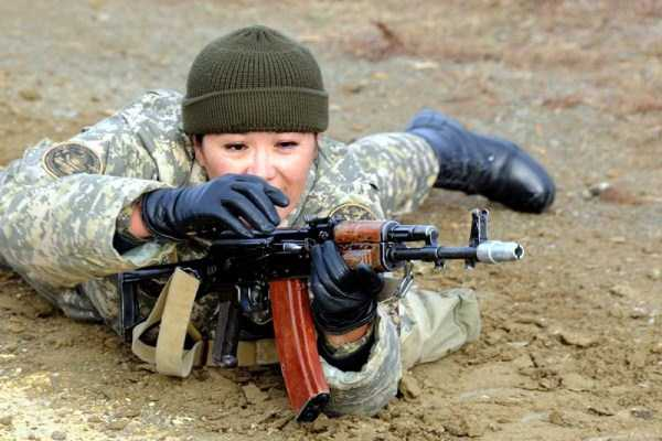 girls-kazakh-army (28)