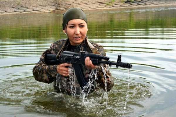 girls-kazakh-army (3)