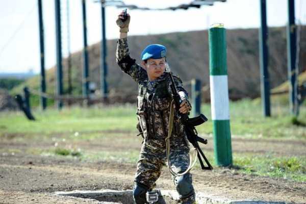 girls-kazakh-army (31)