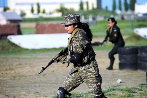 girls-kazakh-army (32)