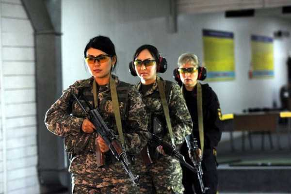 girls-kazakh-army (7)