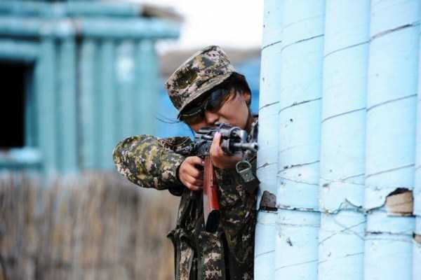 girls-kazakh-army (8)