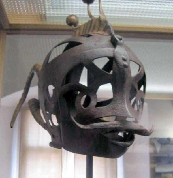 mask-of-shame-Schandmaske (14)