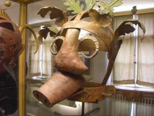 mask-of-shame-Schandmaske (17)