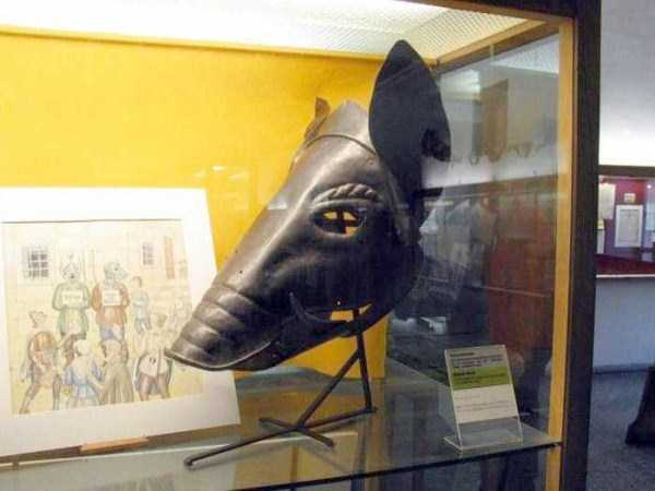 mask-of-shame-Schandmaske (5)