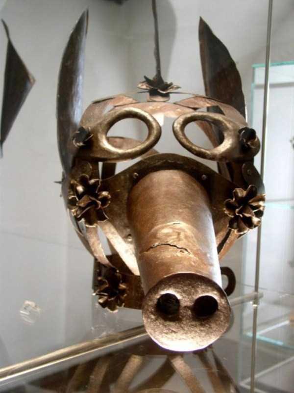 mask-of-shame-Schandmaske (9)