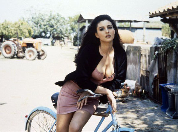 monica-bellucci-naked-pictures-(31)