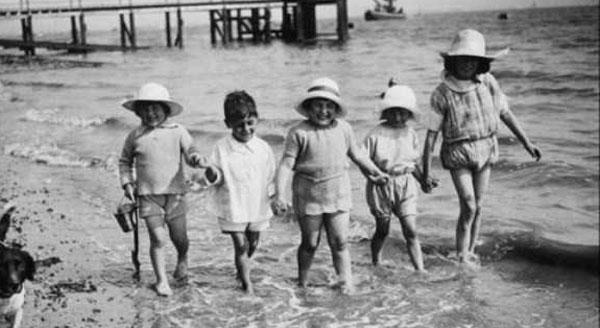 vintage-beach-photos-(36)
