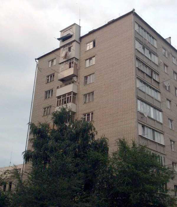 weird-balconies (14)